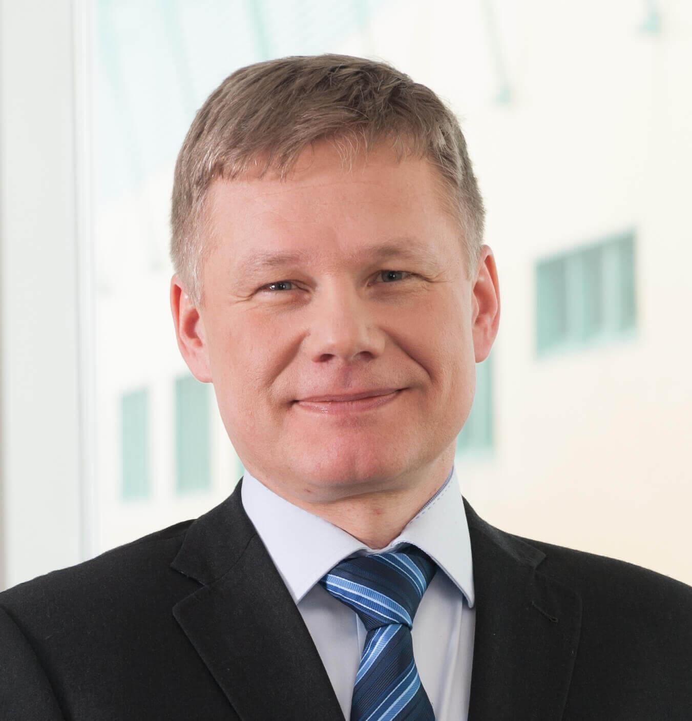 Dyrektor Zakładu Produkcji Leków Wojciech Kisielnicki